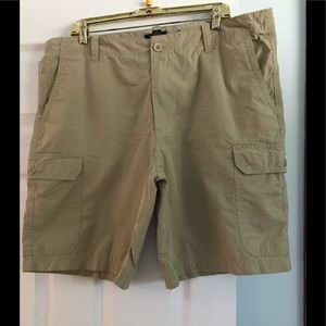 🌺Men's Club Room Khaki cargo shorts